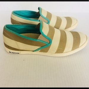 🌸 3/$20 SeaVees striped shoes